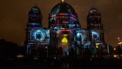 k-Berliner Dom beleuchtet beim Festival Of Lights (18)