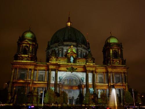 k-Berliner Dom beleuchtet beim Festival Of Lights (37)