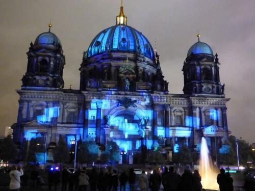 k-Berliner Dom beleuchtet beim Festival Of Lights (39)