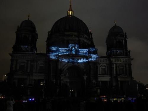 k-Berliner Dom beleuchtet beim Festival Of Lights (48)