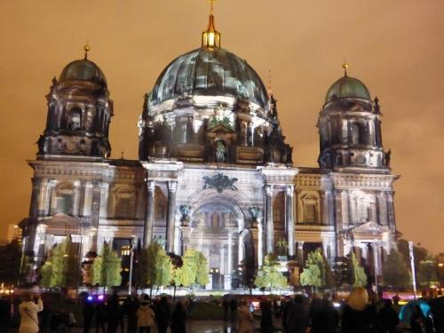 k-Berliner Dom beleuchtet beim Festival Of Lights (49)