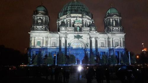k-Berliner Dom beleuchtet beim Festival Of Lights (5)