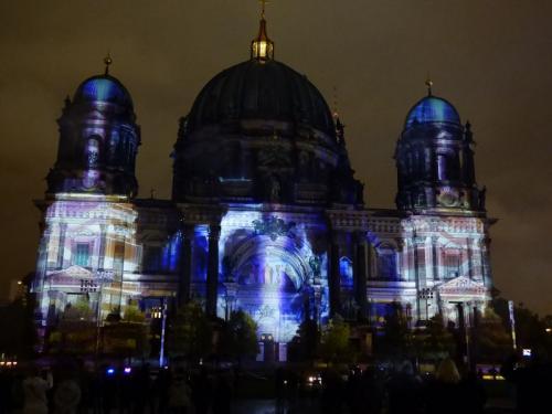 k-Berliner Dom beleuchtet beim Festival Of Lights (51)
