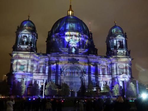 k-Berliner Dom beleuchtet beim Festival Of Lights (54)