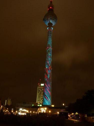 k-Fernsehturm Berlin Festival Of Lights (1)
