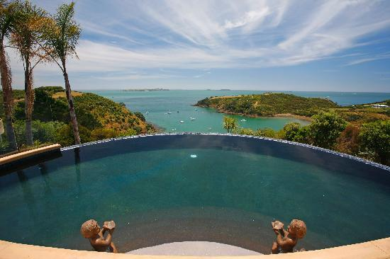 The World's Most Amazing Hotel Pools