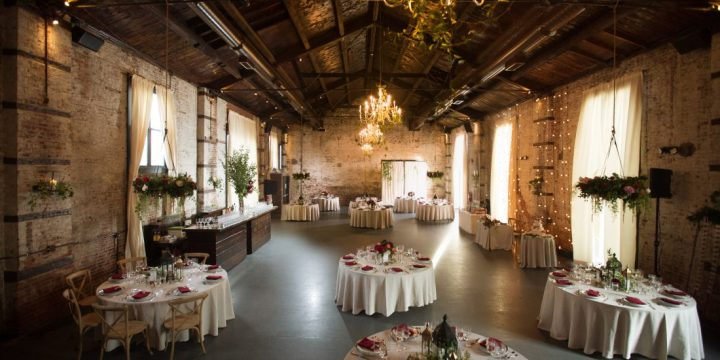 Tips for saving money when planning a wedding