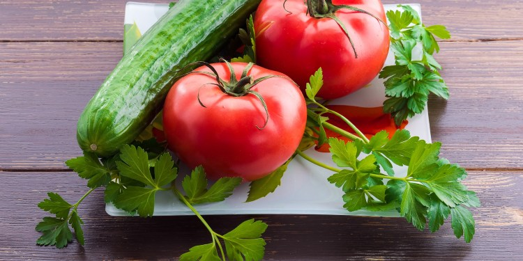 Can We Eat Tomato And Cucumber Together?