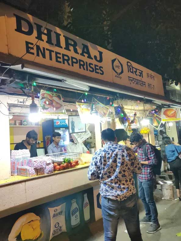 Dhiraj-Vada-Pav: Top 10 Best Places To Have Vada Pav