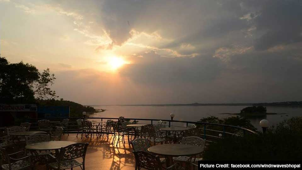 Top 6 Restaurant In Bhopal : Winds and Waves, Bhopal