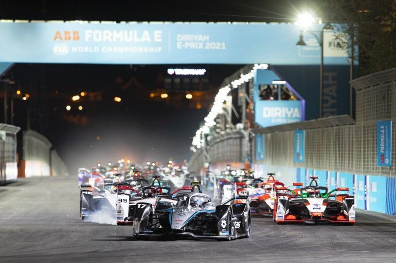 GP dell'Arabia Saudita: the show must (not) go on.