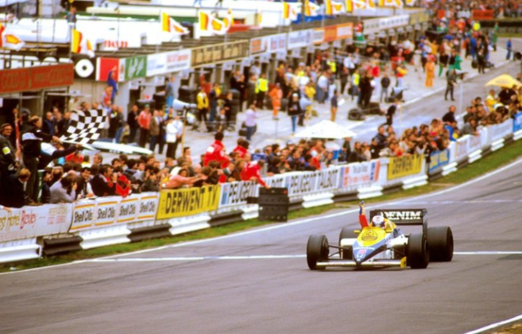 Mansell trionfa a Brands Hatch