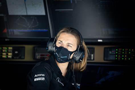 Lettera alle donne nel motorsport: alle tifose e a chi sogna il paddock