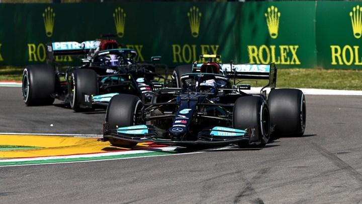 FP1 ad Imola: doppietta Mercedes, ma 6 piloti in un intervallo di soli 3 decimi.