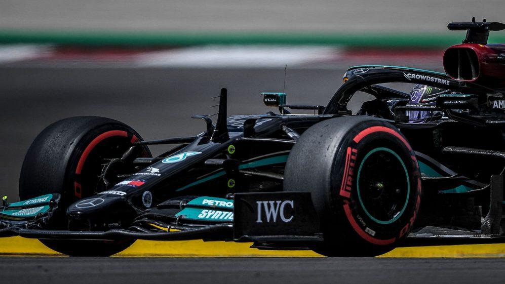 FP2 Portogallo – Hamilton davanti a Verstappen, bene le Ferrari e le Alpine