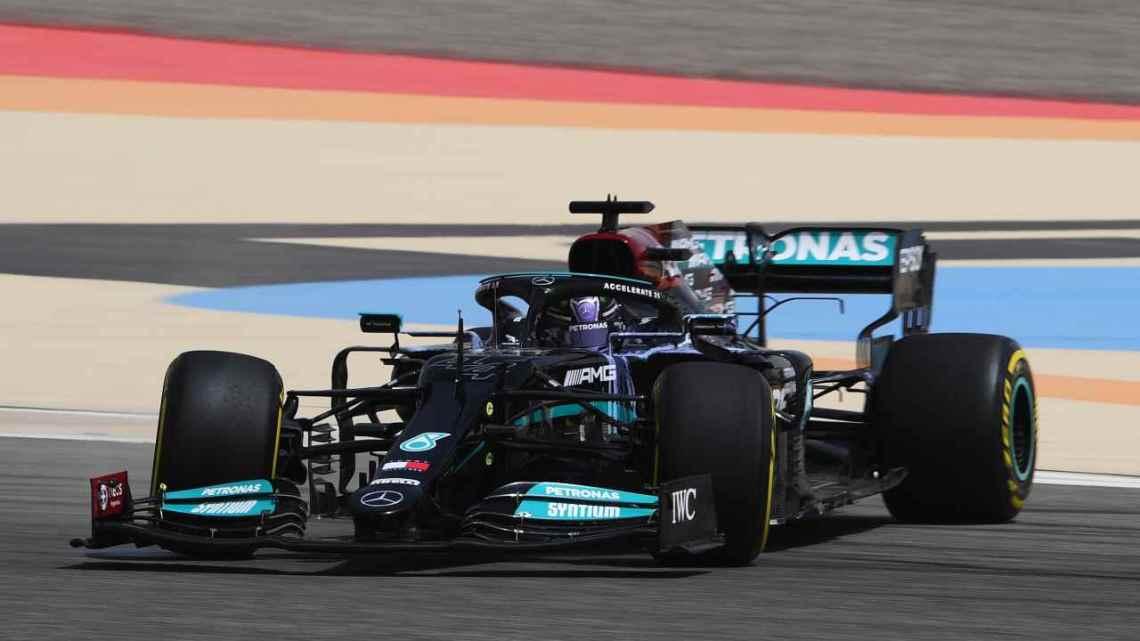 """Hamilton duro: """"La Formula 1 è diventata un club per ragazzi miliardari"""""""