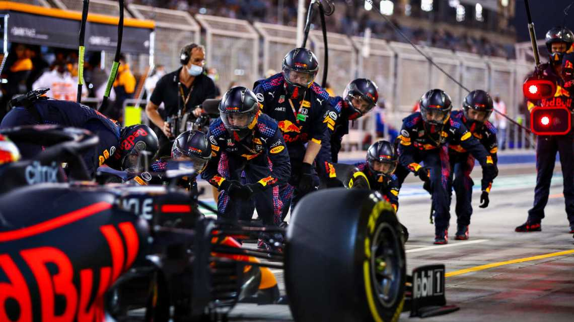 """Verstappen esorta il team: """"Attenti a non fare l'errore della BMW nel 2008"""""""