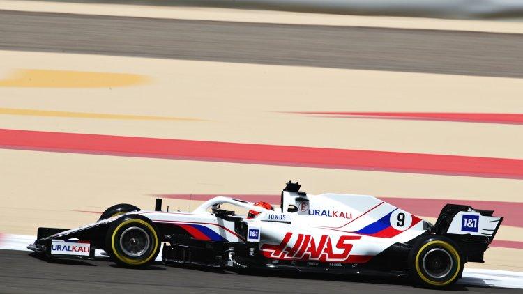 Nikita Mazepin a bordo della Haas VF21