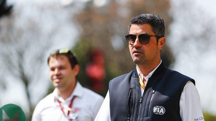 La FIA avvisa i team: niente più pressione sugli steward in gara.