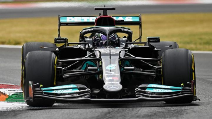 Hamilton a rischio penalità per la gara di domenica a Monza