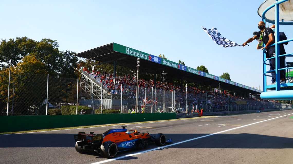 F1   GP d'Italia: è doppietta McLaren, ma scintille tra Hamilton e Max!