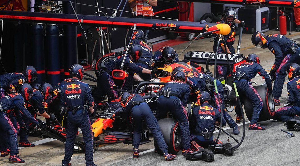 La nuova regola sui pit stop fa arrabbiare Red Bull