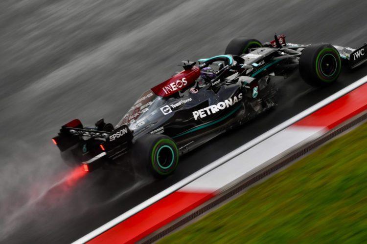 Il boss della Mercedes Toto Wolff ha fornito un aggiornamento sul parco motori a disposizione di Lewis Hamilton per il resto della stagione.