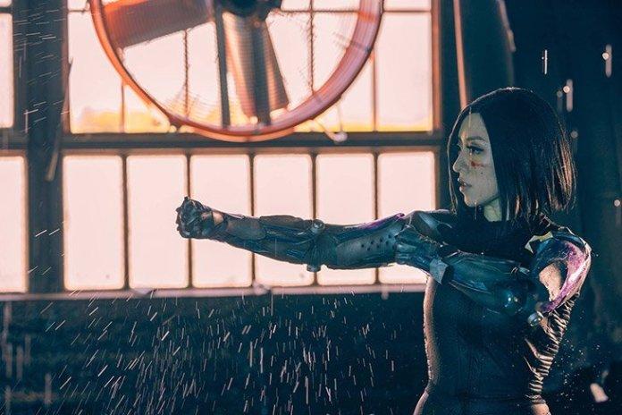 2 1 - Découvrez cet incroyable cosplay sexy d'Alita : Battle Angel