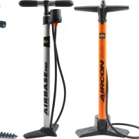 Bicycle tire pumps