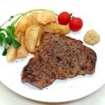 安いお肉でも下ごしらえで柔らかく美味に! ミディアムレアの『ビーフステーキ』のレシピと作り方