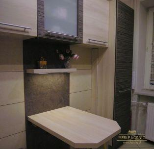 Stół kuchenny z podświetlaną półką