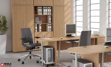 Ekonomiczny, ale praktyczny zestaw mebli biurowych z szafami z nadstawkami