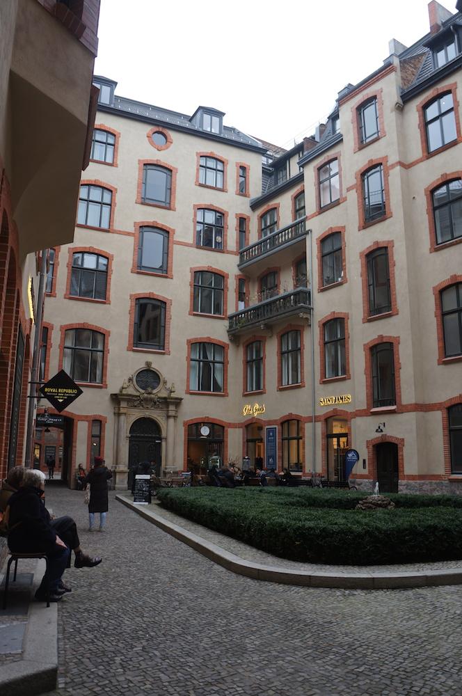 berlin mitte flats furnished flats in berlin 39 s soho. Black Bedroom Furniture Sets. Home Design Ideas