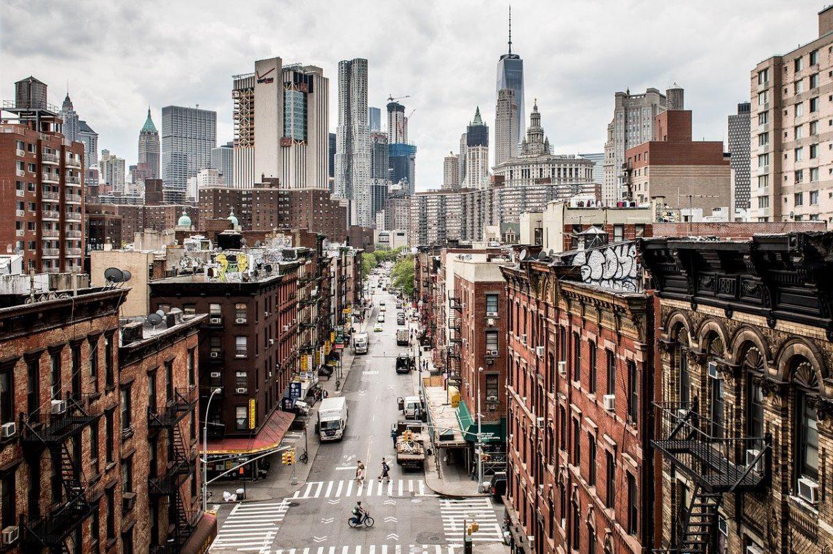 Manhattan city skyline rent furniture in NYC