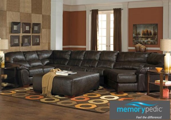 Liam Godiva 3 Pc. Sectional W Cuddler Chaise