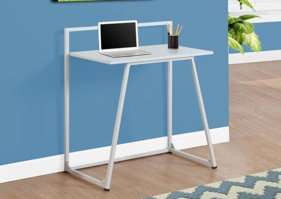 Image: Tandie White Kids Computer Desk from The RoomPlace