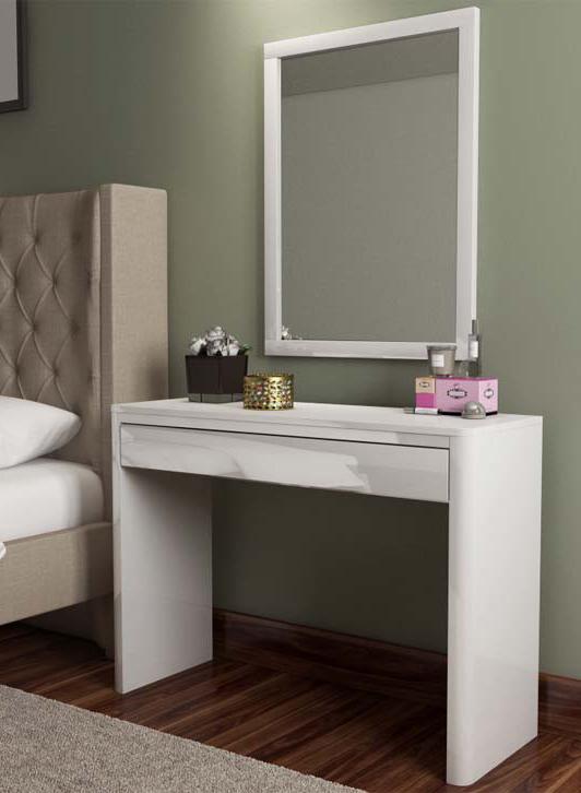 GRADE A1  Lexi White High Gloss Dressing Table  Furniture123