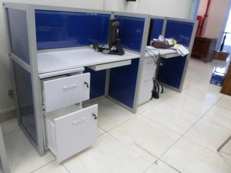 Meja Kantor Plus Sekat Separuh Badan  Meja Kubikel Meja