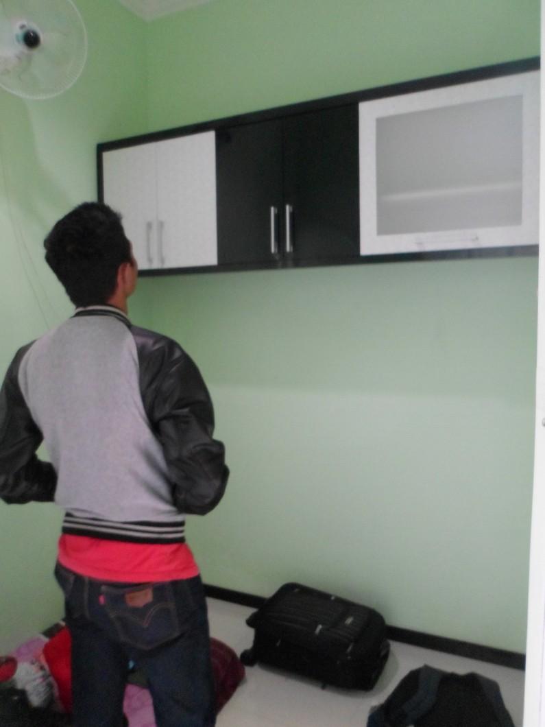 Lemari Gantung dan Rak TV Minimalis  Furniture Semarang