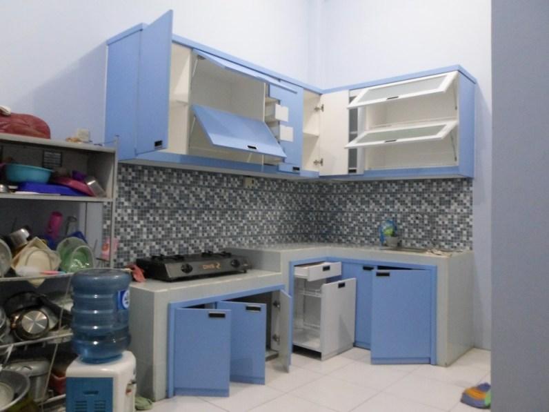 kitchen set minimalis multiplek HPL warna biru furniture semarang