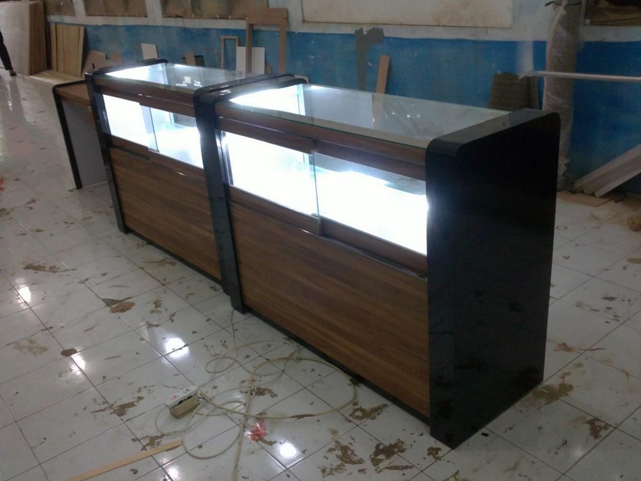 Etalase Display Toko Roti dan Penghangat  Furniture