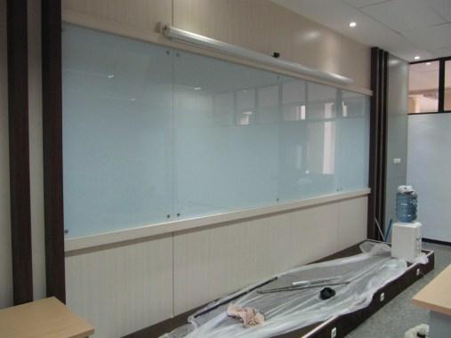 interior ruang kelas standar internasional (14)