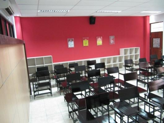 pesan furniture interior ruang kelas di semarang (12)