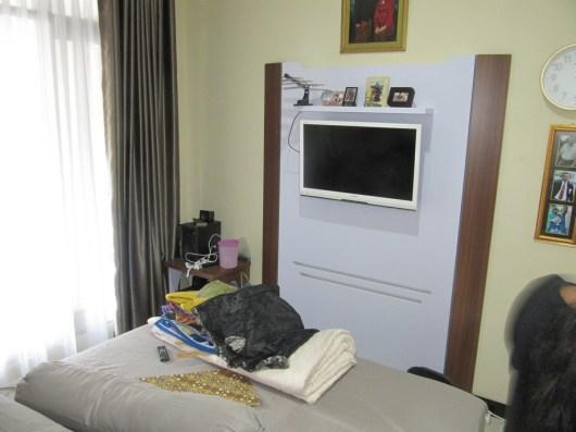 furniture-interior-kamar-tidur-warna-putih-semarang-10