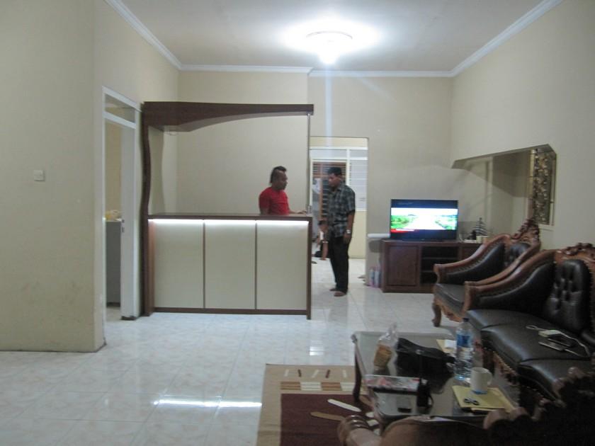 Minibar Front Desk dan Partisi Sekat Ruang Interior Kantor  Semarang  Furniture Semarang