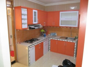 kitchen-set-warna-oranye-1