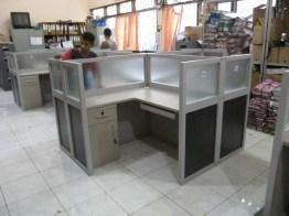 meja-partisi-kantor-3