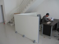 sekat-kantor-portable-bisa-dipindah-pindah-9