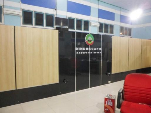 sekat-partisi-background-kantor-pemerintahan-8