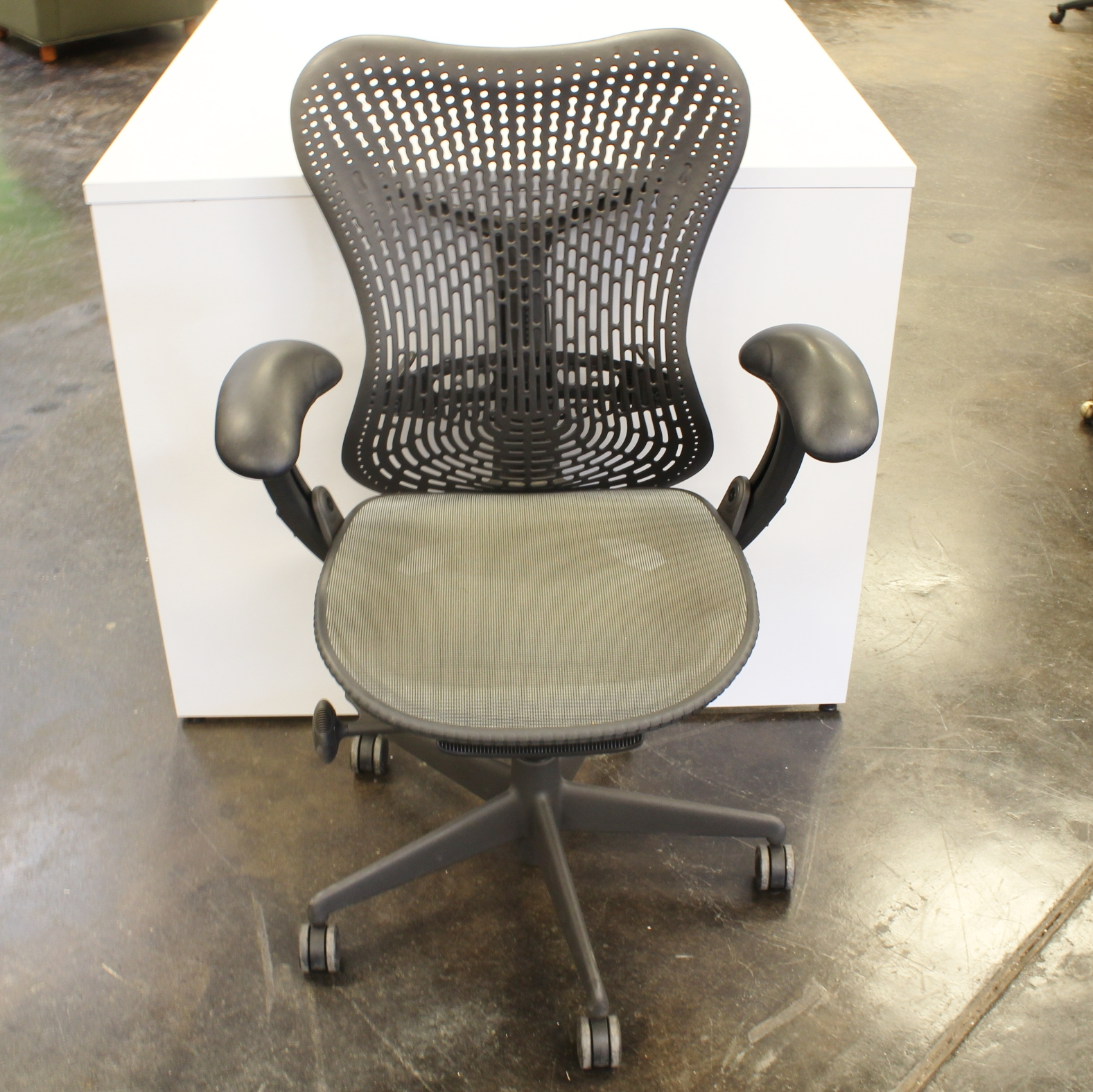 herman miller used office chairs outdoor ikea mirra gray mesh fabric plastic back seating task search new furniture